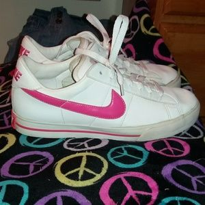 CLEARANCE! $53. NIKE Vintage Court Shoes Size 8.5
